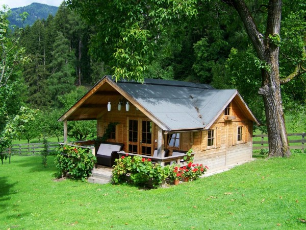 small-wooden-house-906912_960_720