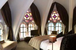 Les-eglises-se-modernisent-et-deviennent-meme-des-hotels-.jpg