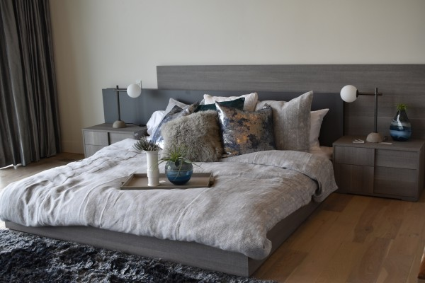 table-wood-floor-home-living-room-furniture-1417759-pxhere.com