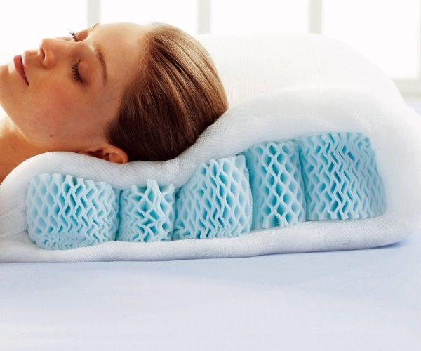 Un oreiller soulageant les cervicales