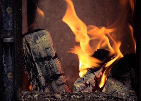 fireplace-933565_960_720