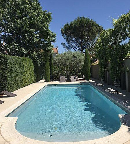 450px-Maison_Pic,_Valence,_piscine