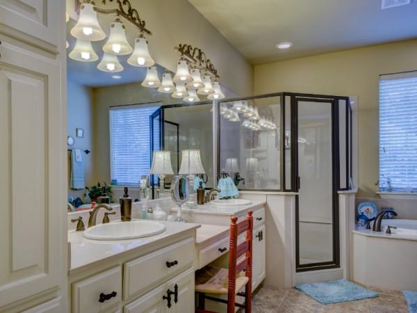 deco-asaiss.com_instant-decoration.com_Bricolage et décoration maison comment aménager sa salle de bain (Echange)