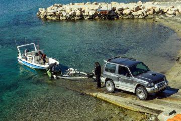 loading-boat-2086851_1920