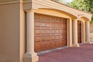 garage-doors-driveway