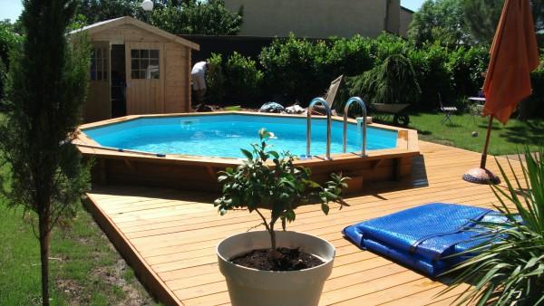 Nouvelle tendance 2017 la piscine en bois for Piscine hors sol bois semi enterree